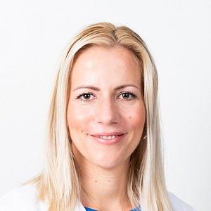 Dr. Nòra Bognàr