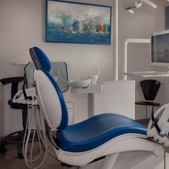 Dr méd. dent. Villars Louis