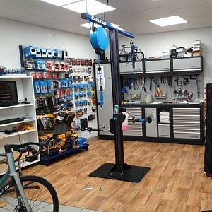 Atelier directement dans le magasin