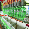 Neben der hochmodernen Abfüllanlage mit einer Kapazität  von 10'000 Flaschen pro Stunde bilden rundum durchdachte Prozesse einen weiteren Anker für einen reibungslosen Betrieb.