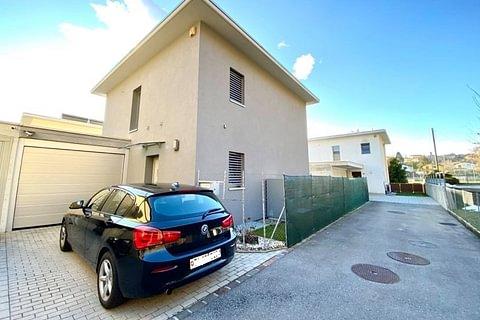 MORBIO INFERIORE - vendesi moderna casa indipendente con giardino e garage