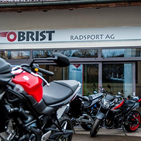 Wir sind ein kleines, aber feines 2-Rad Fachgeschäft. In den Bereichen Fahrrad und Motorrad führen wir ein breit abgestimmtes Sortiment an Marken und Dienstleistungen.
