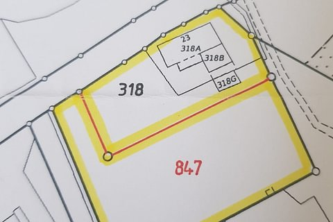 terreno edificabile a Pedrinate mq. 889 + 40 mq. indici