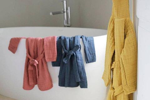 Kinder-Bademäntel und Badeponchos aus weichem Mull von LÄSSIG