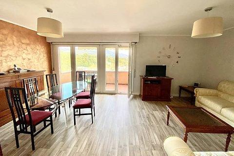 LUGANO - vendesi panoramico appartamento di 3.5 locali