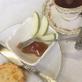 Cheese Scone with Apple Butter