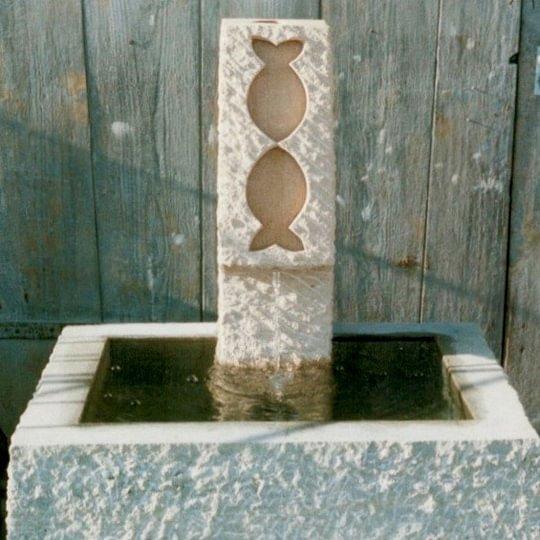 Brunnen aus Kalkstein