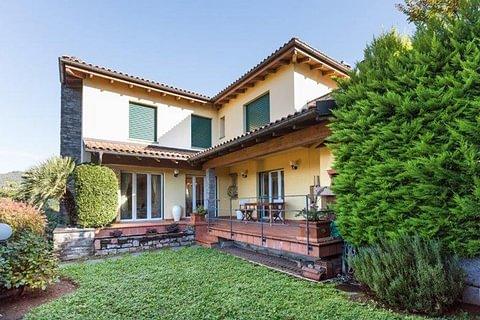 CADRO - vendesi casa indipendente con giardino
