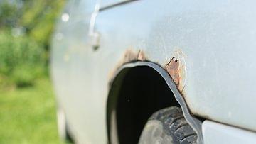 Rost entfernen am Auto
