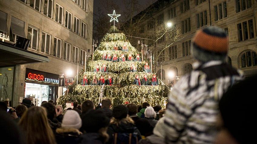 Singing Christmastree bei der Zürcher Bahnhofstrasse. © Zürich Tourismus